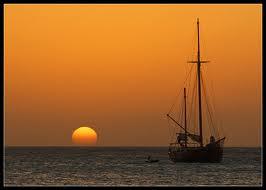 sunset-sailboat