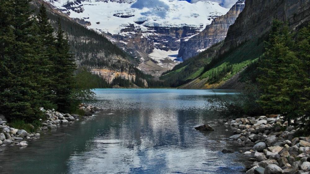 ws_Lake_Louise_Alberta_Canada_1366x768