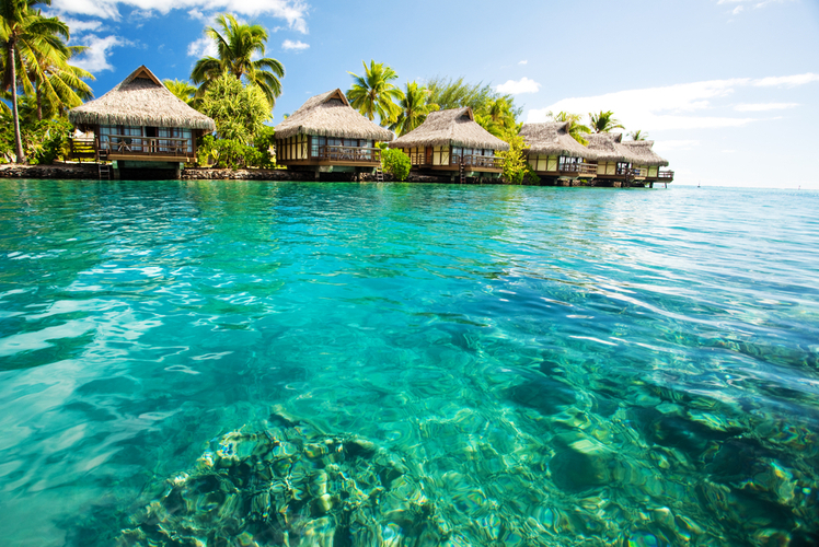 Bora-Bora-clear-water
