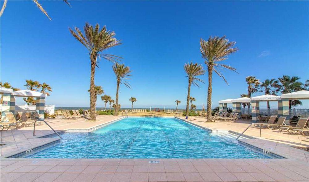 Cinnamon Beach Pool